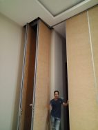 Partisi ruang kelas – pintu lipat – penyekat ruangan | Partisi ruang kelas – pintu lipat – penyekat ruangan